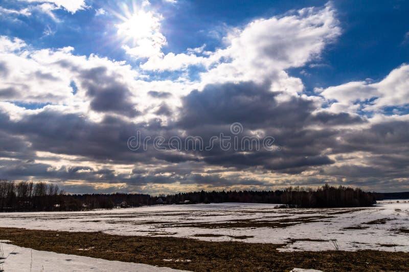 Winterlandschaft in Mittelrussland stockfoto