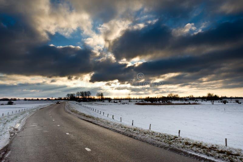 Winterlandstraße stockfotos