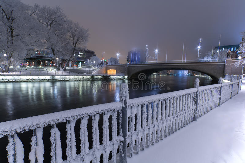 Winterliche Landschaft in Tampere lizenzfreie stockfotografie