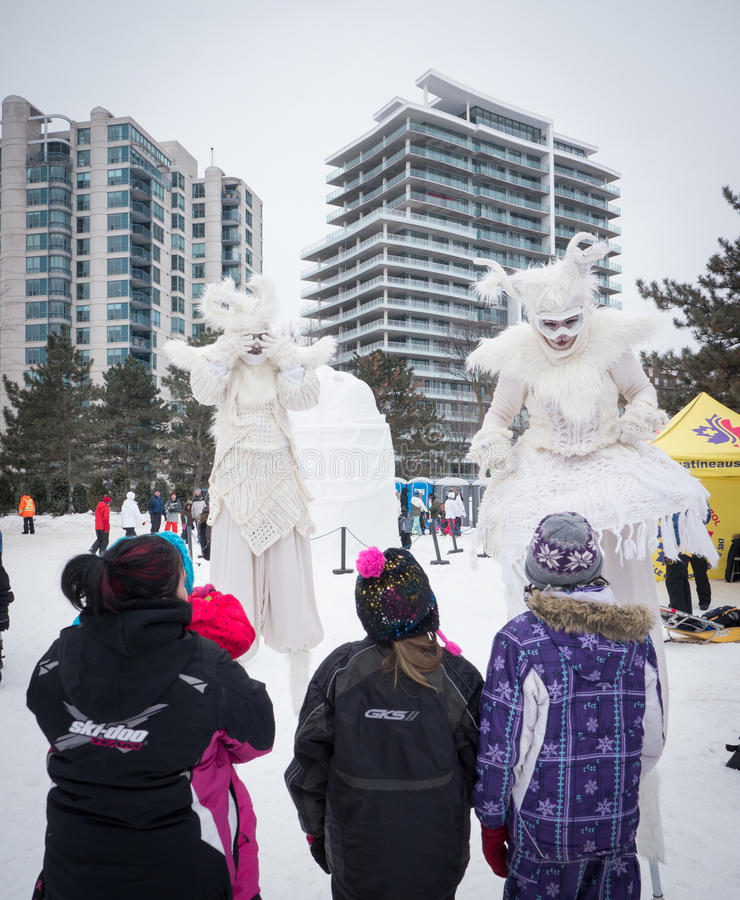 Winterlude in Gatineau, Quebec, Canada 2014 - inverno Merlins sopra fotografia stock libera da diritti