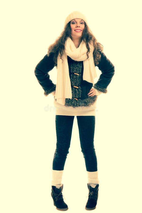 Wintermodefrau in warmem Kleidung instagram Filter stockfotografie