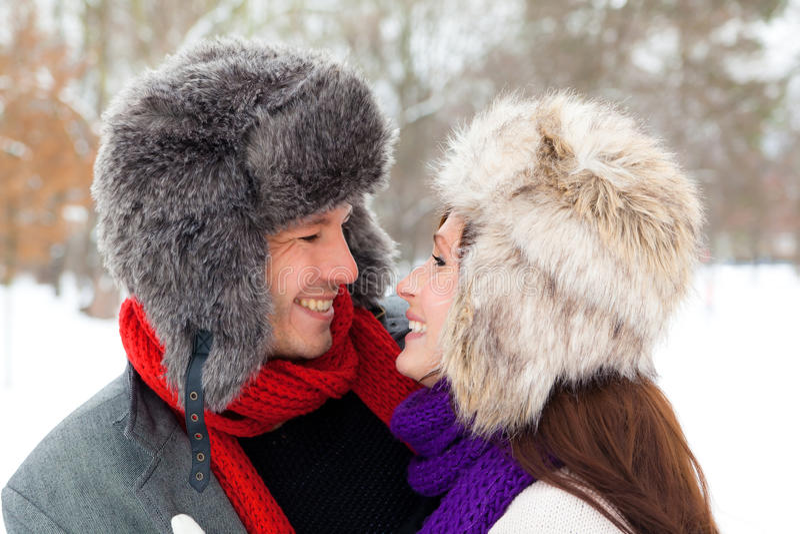 Winterpaare lizenzfreies stockfoto