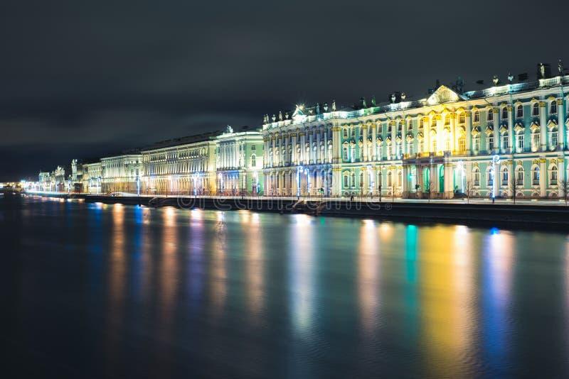 Winterpalast in St Petersburg stockbild