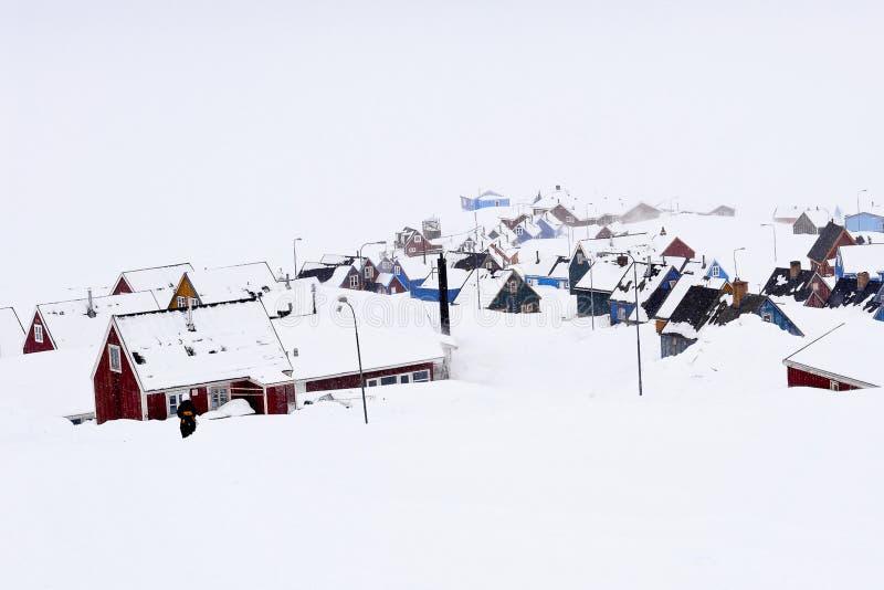 Winterslaap - Ittoqqortoormiit, het verste dorp van Groenland royalty-vrije stock fotografie