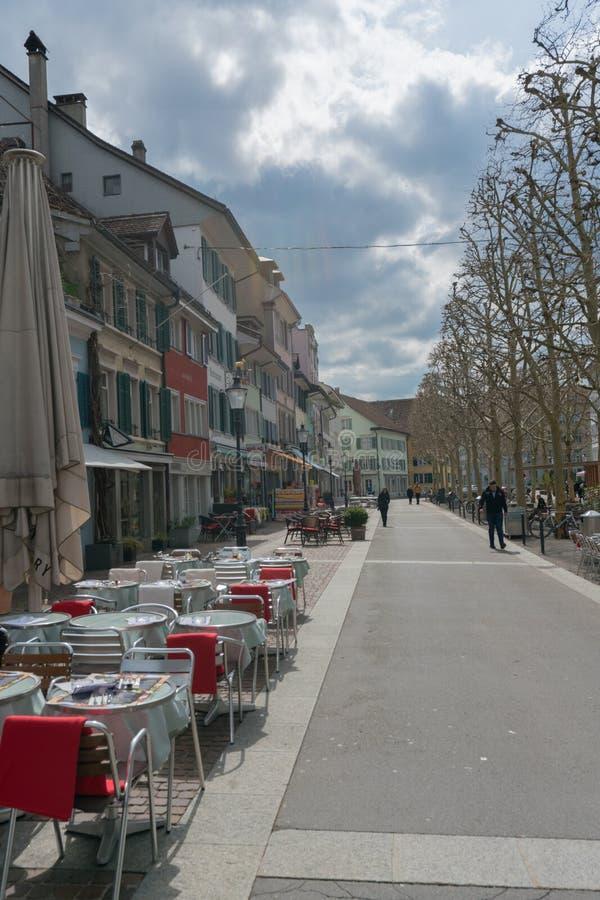 Winterthur, ZH/Швейцария - 8-ое апреля 2019: толкотня и суматоха в старом городке стоковое изображение