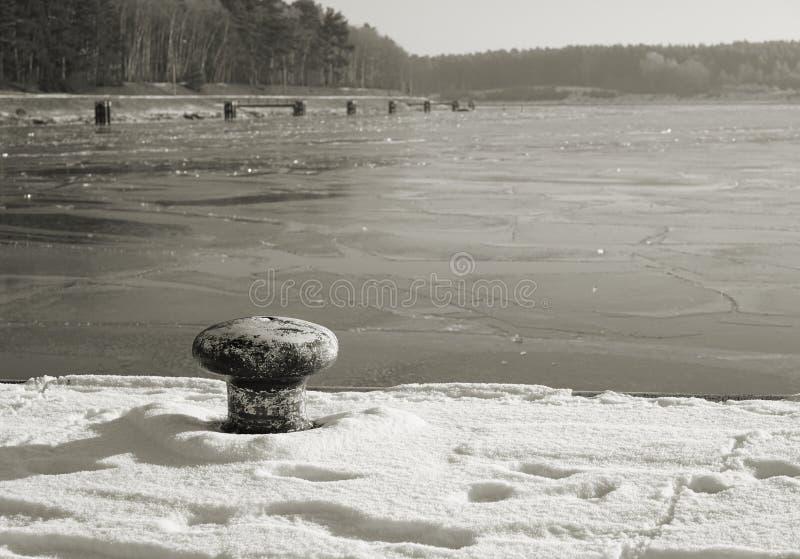 Download Wintertime imagem de stock. Imagem de se, frio, gelado - 65575767