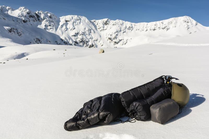 Wintertouristenausrüstung stockfotos