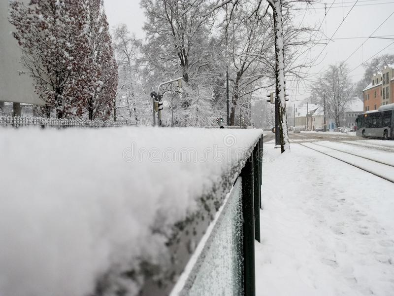 Wintet et neige à Augsbourg images stock
