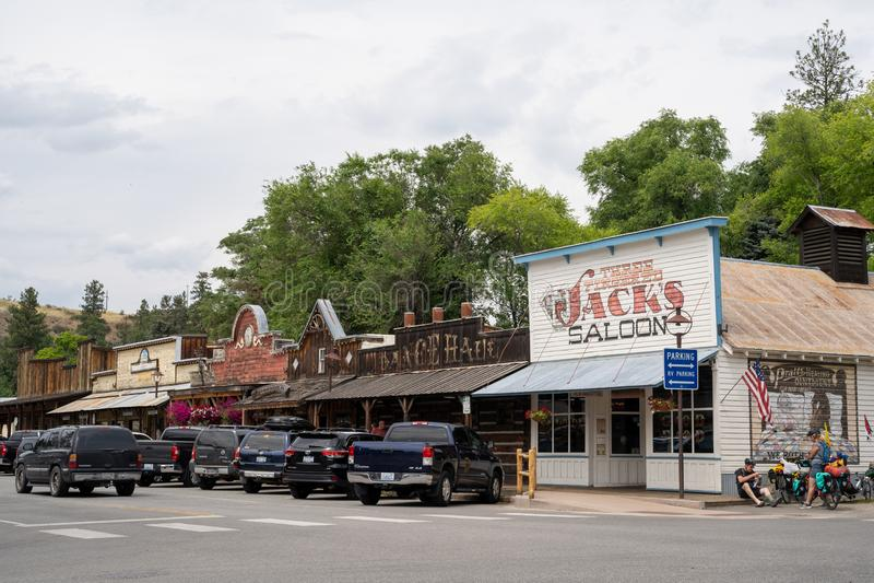 Winthrop, Washington - vue de rue de Winthrop du centre, une petite ville occidentale sauvage de thème dans les montagnes de casc images libres de droits