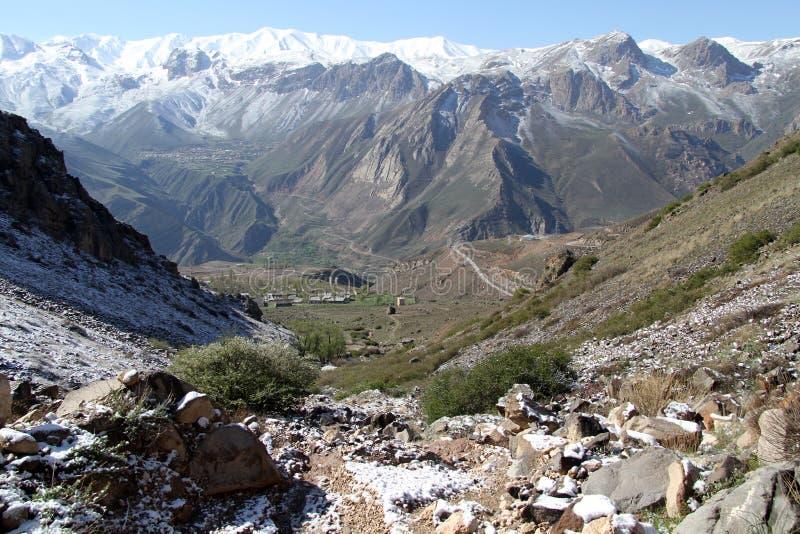 Wioska i góra zdjęcie stock