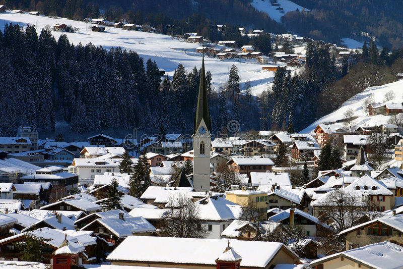 Download Wioska szwajcarska zdjęcie stock. Obraz złożonej z zima - 34148