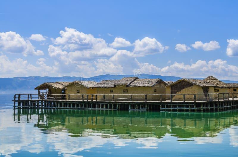 Wioska w jeziorze zdjęcie stock