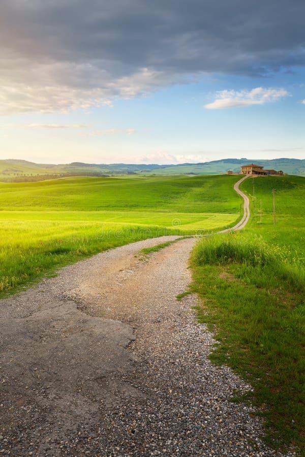Wioska w Tuscany; Włochy wsi krajobraz z Tuscany rol obraz stock