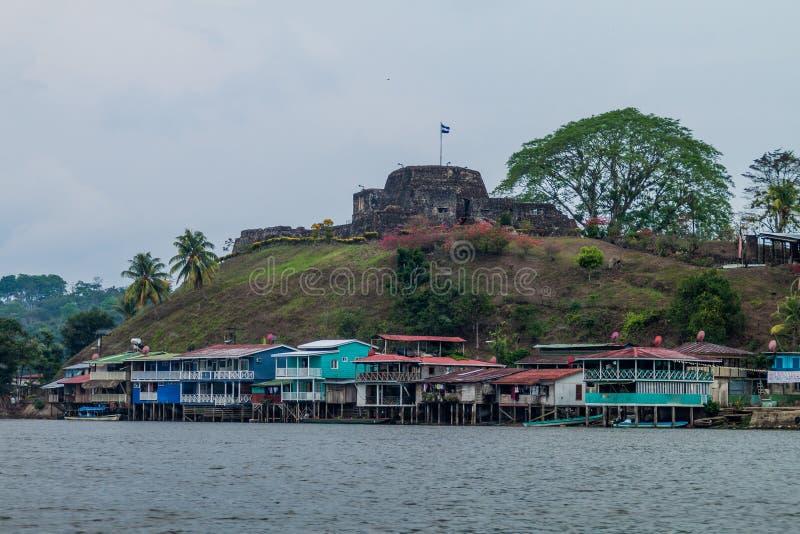Wioski Ell Castillo z fortecą Niepokalany poczęcie przy San Juan rzeką, Nicarag zdjęcia royalty free