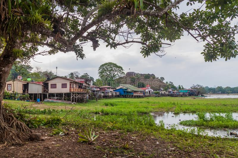 Wioski Ell Castillo z fortecą Niepokalany poczęcie przy San Juan rzeką, Nicarag zdjęcie royalty free