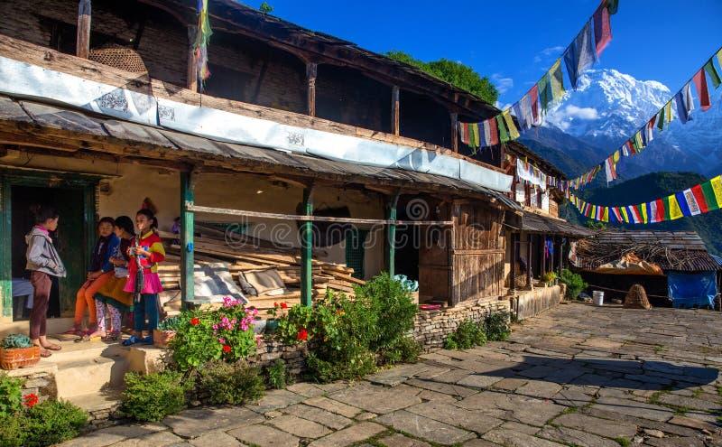 Wioski ulica w himalajach zdjęcie royalty free