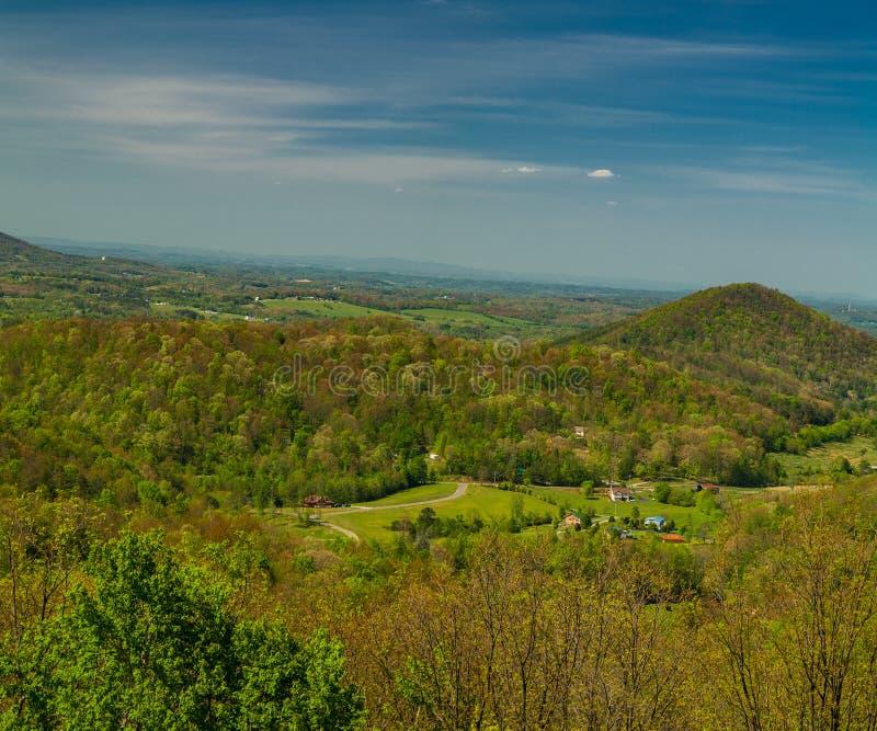 Wiosna krajobraz od pogórza Parkway obraz stock