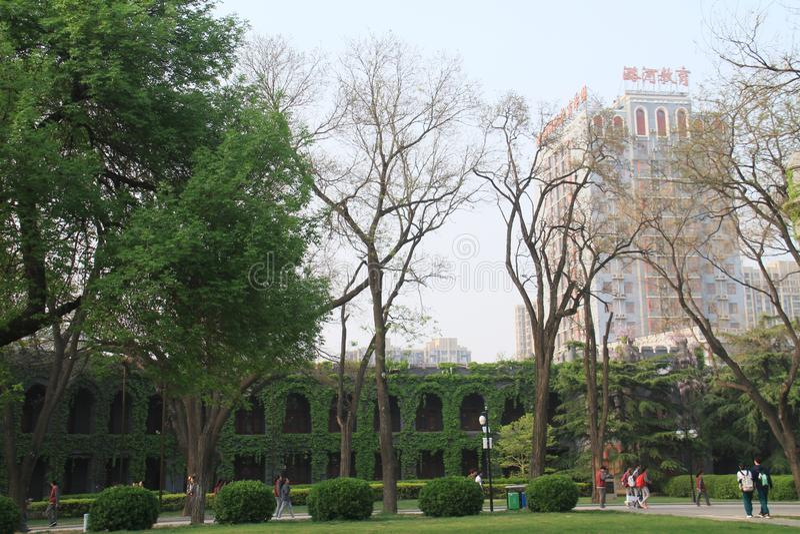 wiosna luhe szkoła średnia w tongzhou okręgu, Beijing, porcelana zdjęcie stock
