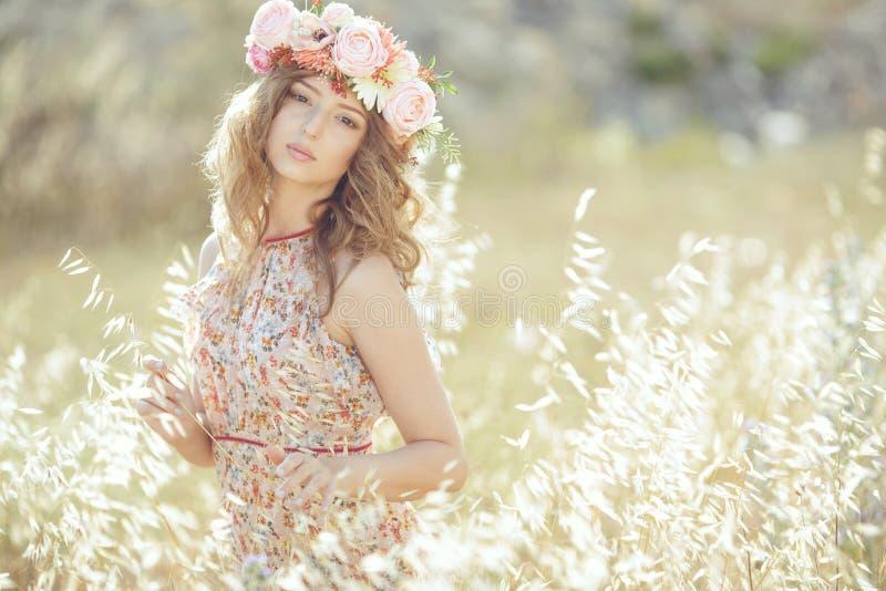 wiosna piękna kobieta zdjęcie stock