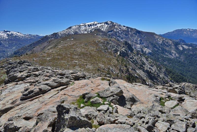 Wiosna widok Korsykańskie wysokie góry zdjęcia royalty free