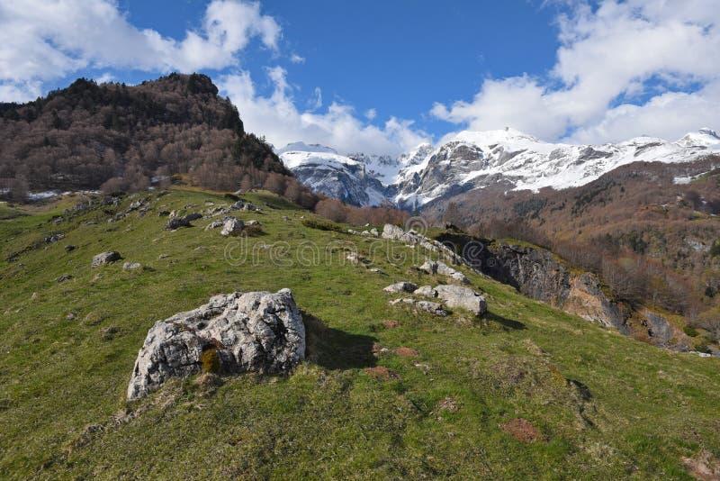 Wiosna widok Pyrenees góry fotografia royalty free