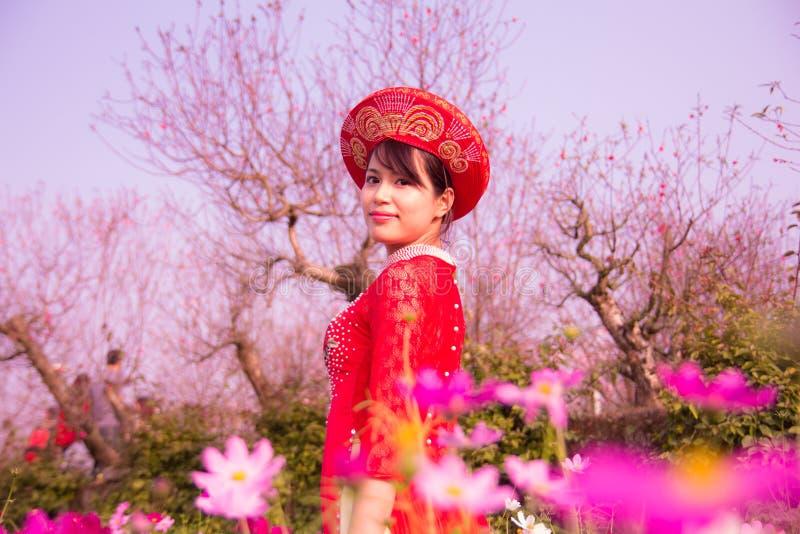 Wiosny dziewczyna zdjęcia royalty free