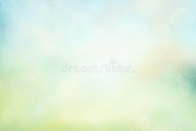 Wiosny lub lata tło Zieleń i kolor żółty zamazujący abstrakcjonistyczny tło z magicznymi światłami ilustracja wektor