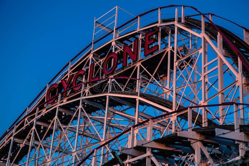 Wirbelsturm, Coney Island stockfotos