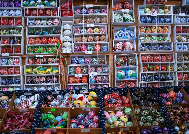 Wirkliche handgemalte Ostereier, Tschechische Republik - Prag-Markt stockfotos