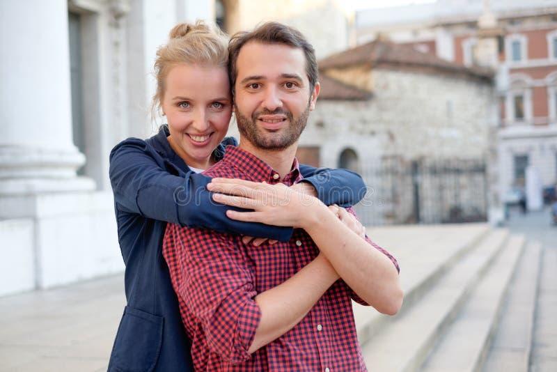 Wirkliche Paare in der Liebe lizenzfreie stockfotos