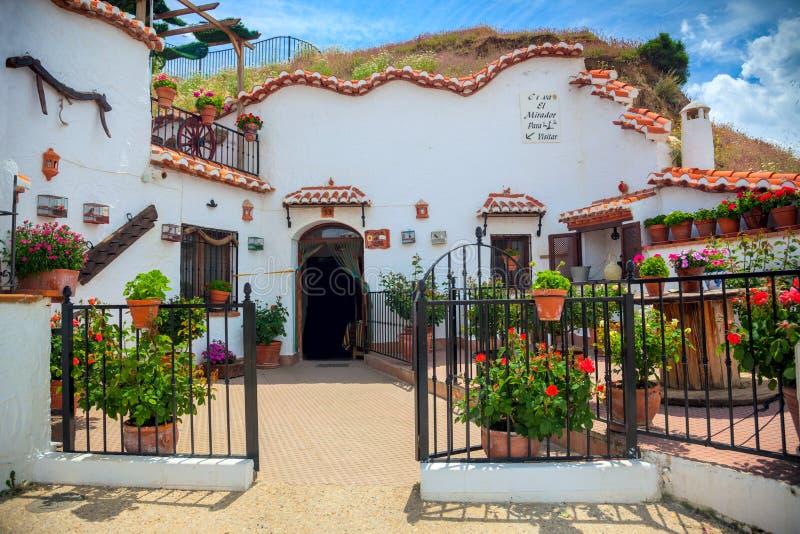 Wirkliches berühmtes traditionelles Haus in der Höhle, Guadix, Spanien, Europa lizenzfreies stockbild