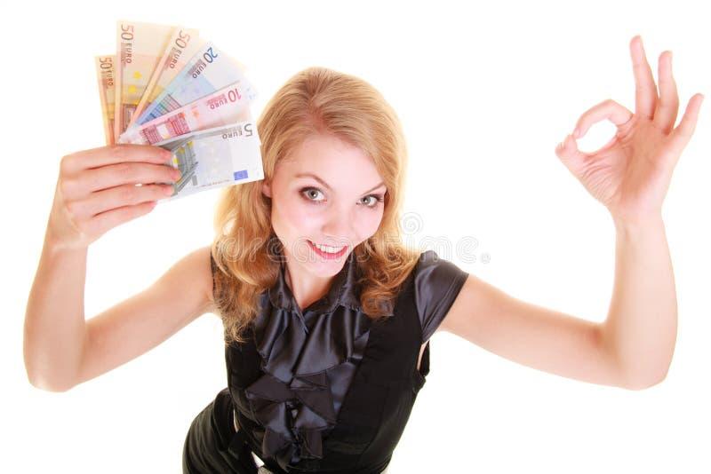 Wirtschaftsfinanzierung Frau hält Eurowährungsgeld lizenzfreies stockfoto