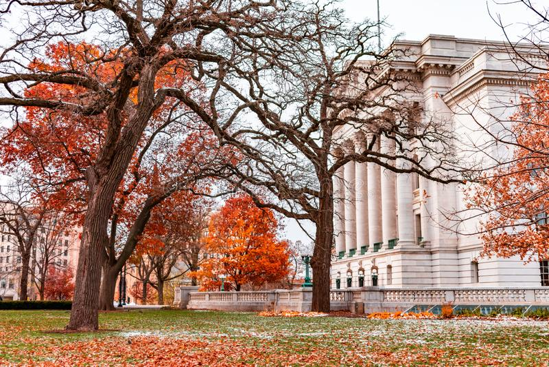 Wisconsin stanu Capitol Boczny widok podczas jesieni obrazy royalty free