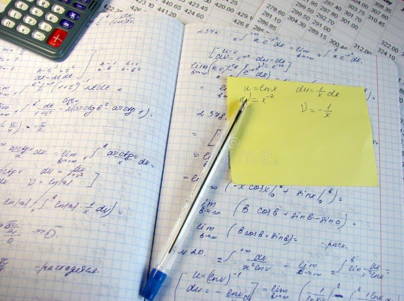 Wiskundige formules stock afbeeldingen