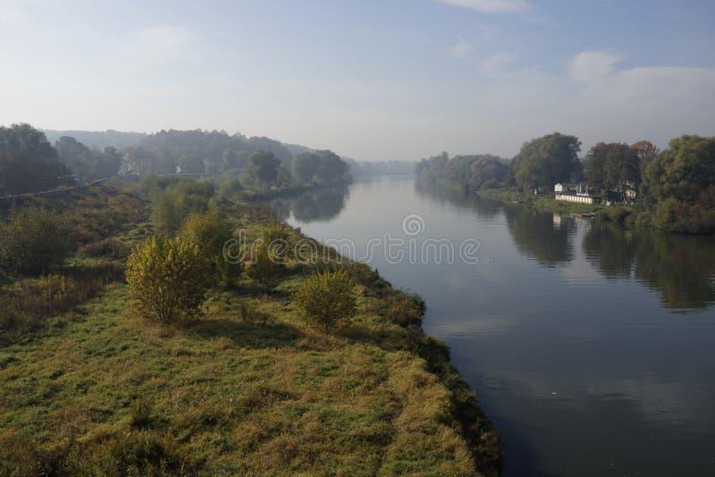 Wisla rivier in Krakau, Polen royalty-vrije stock afbeelding