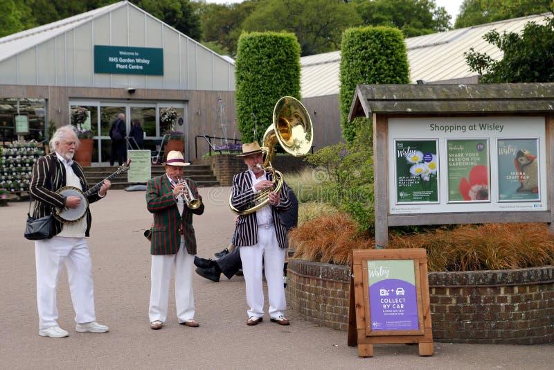 Wisley, Surrey, UK - Kwiecień 30 2017: Trad Jazzowy tercet bawić się przy th obraz stock