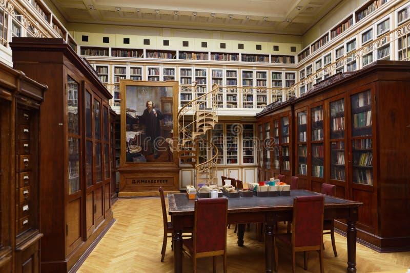 Wissenschaftliche Bibliothek von D I Mendeleyev-Institut für Metrologie lizenzfreie stockbilder