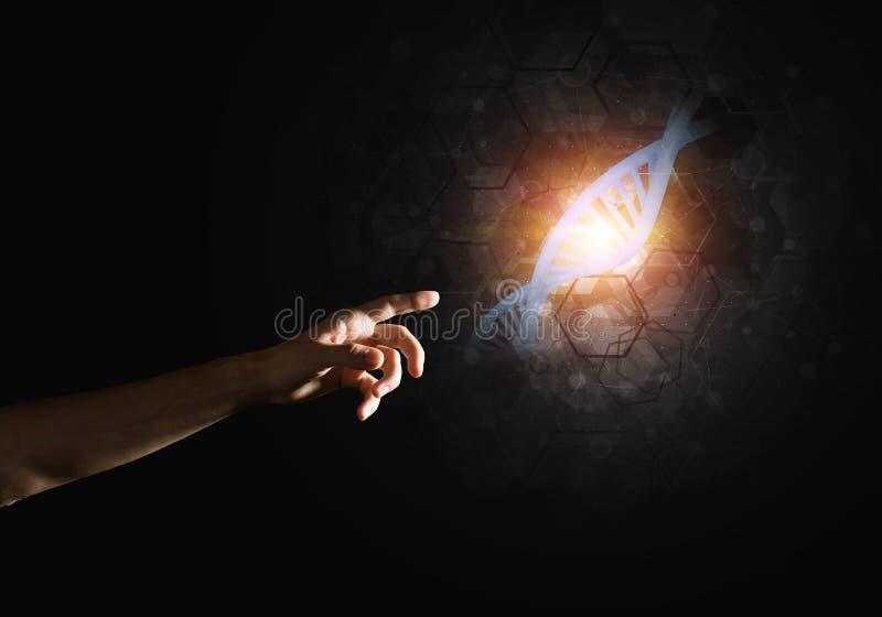 Wissenschaftsmedizin- und -technologiekonzepte als DNA-Molekül auf dunklem Hintergrund mit Verbindungslinien lizenzfreie stockfotos