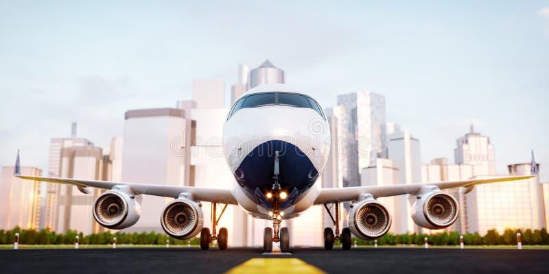 Wit commercieel vliegtuig die zich op de luchthavenbaan bij wolkenkrabbers van een stad bevinden royalty-vrije illustratie