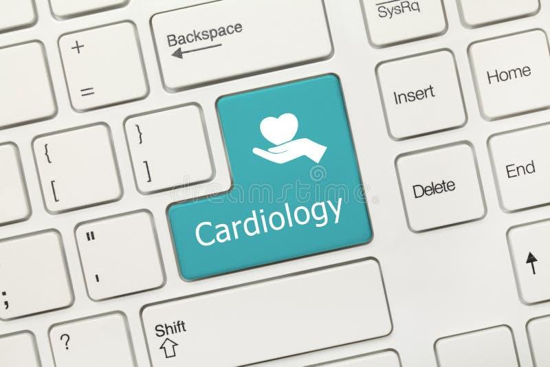 Wit conceptueel toetsenbord - Cardiologie blauwe sleutel royalty-vrije stock fotografie