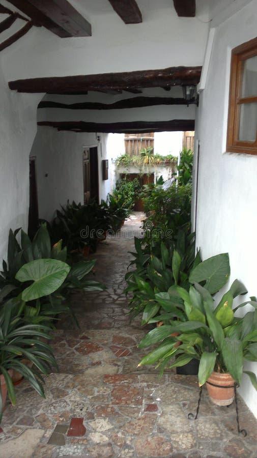 Wit huis in Lanjaron, Granada stock foto