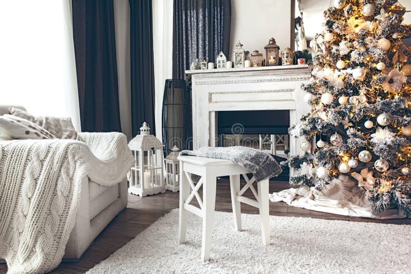 Wit Kerstmisbinnenland stock foto's
