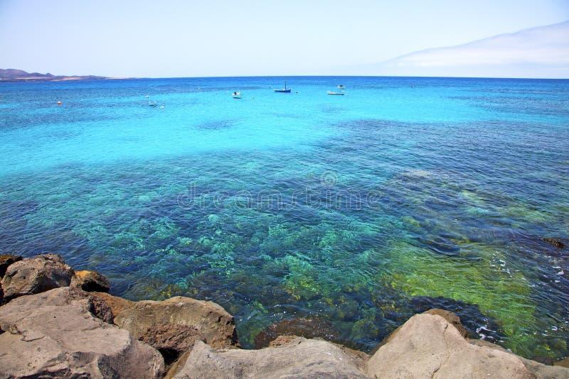 wit kustlanzarote Spanje strandschip royalty-vrije stock fotografie