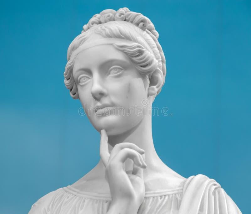 Wit marmeren hoofd van jonge vrouw royalty-vrije stock foto's