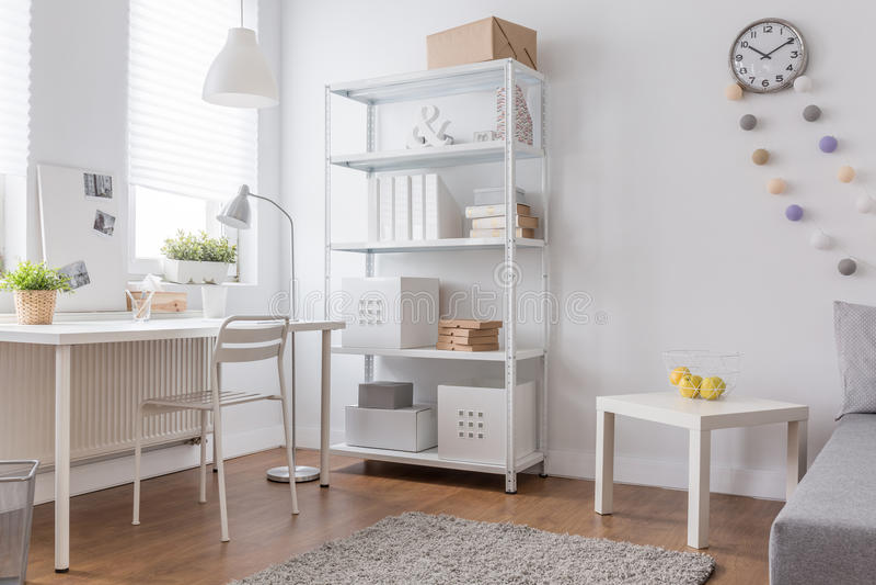 Wit minimalistisch ontwerp stock fotografie