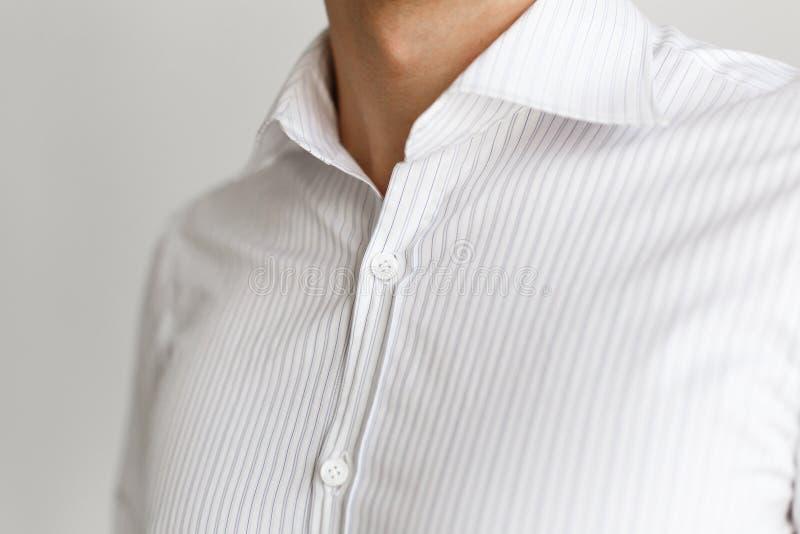 Wit overhemd op de zakenman Losgeknoopte kraag stock fotografie