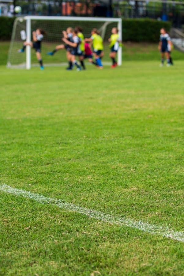 Wit overzicht voor een voetbalgebied voor Meisje onder 15 jaar toernooien van het schoolvoetbal stock afbeelding