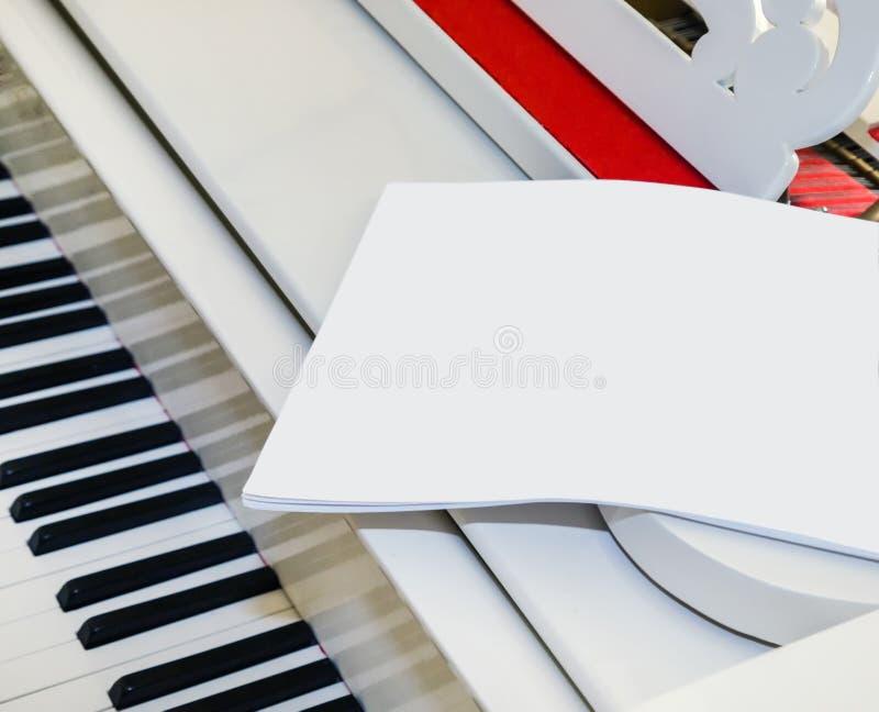 Wit pianofragment stock fotografie