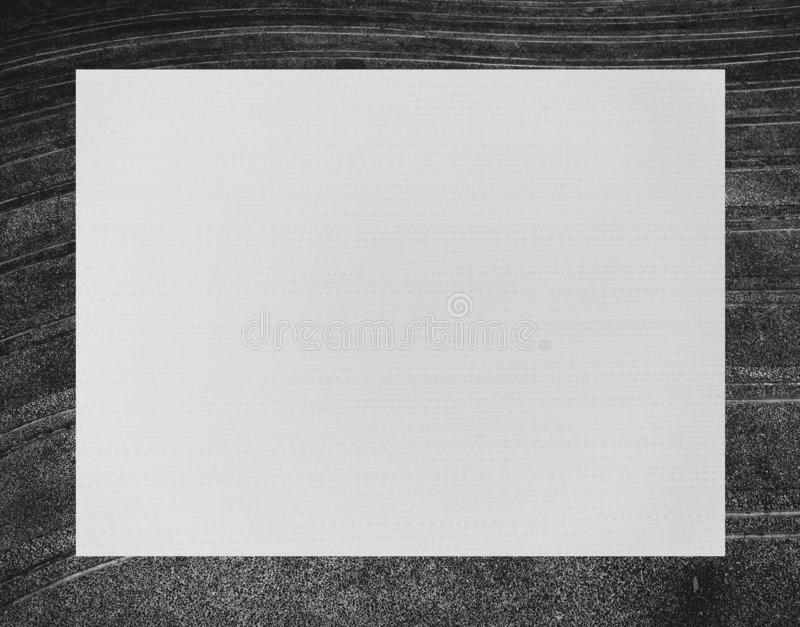 Wit rechthoekig kader op zwarte steenachtergrond royalty-vrije illustratie