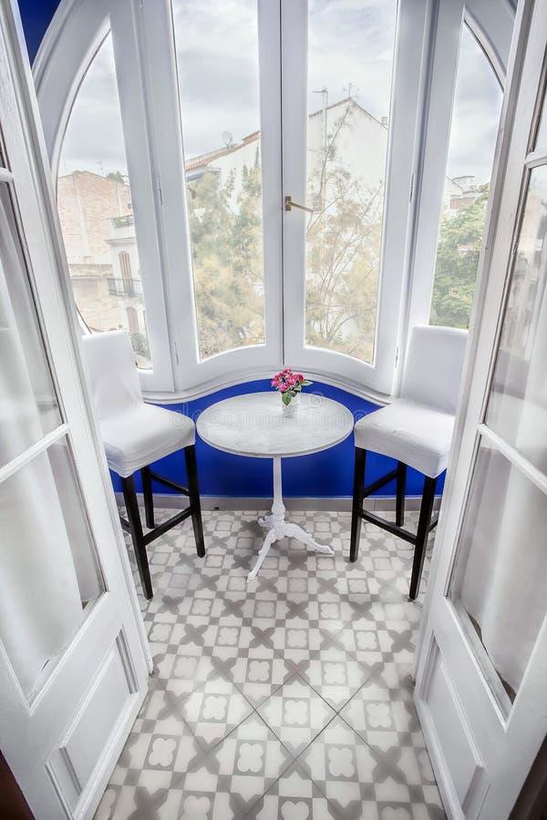 Wit terras van hotel Noucentista Sitges Spanje royalty-vrije stock foto